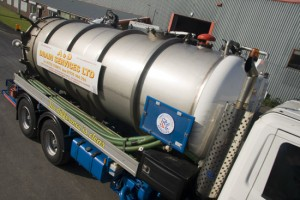 Preston Drains 3000 Gallon tanker